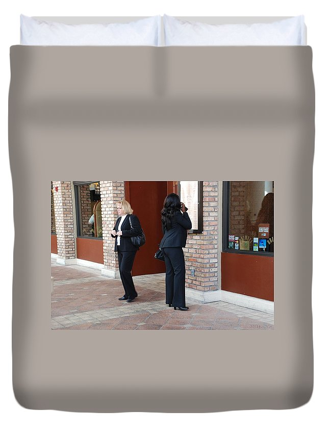 Girls Duvet Cover featuring the photograph Ying Yang by Rob Hans