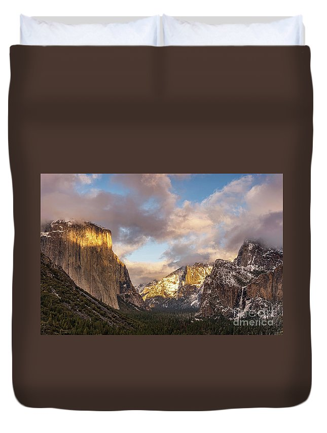 Yosemite Duvet Cover featuring the photograph Yosemite Tunnel View Sunset In Winter by Tibor Vari