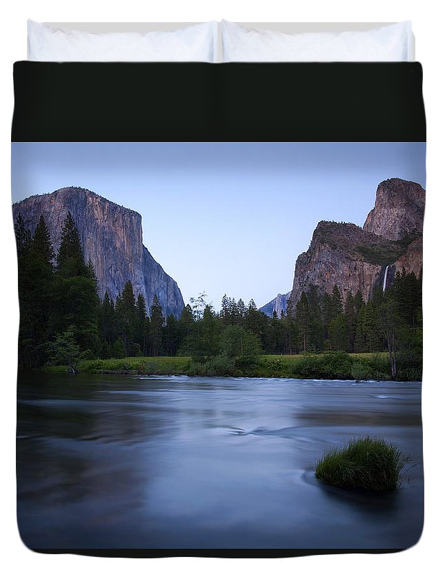 Yosemite Duvet Cover featuring the photograph Yosemite Twilight by Mike Dawson