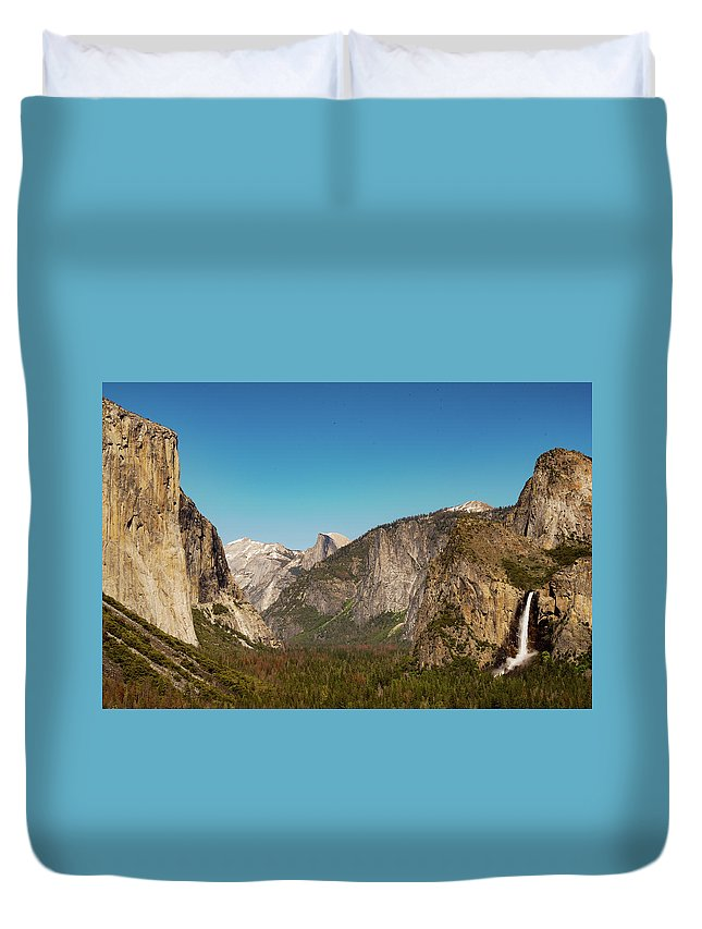 Yosemite National Park Duvet Cover featuring the photograph Yosemite Valley by Canaan John
