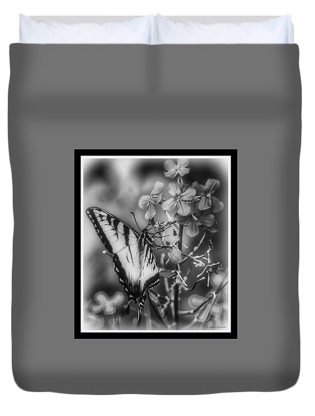 Butterfly Duvet Cover featuring the photograph 061819-4 by Mike Davis