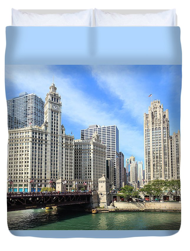 Downtown District Duvet Cover featuring the photograph Buildings By The Chicago River, Chicago by Fraser Hall