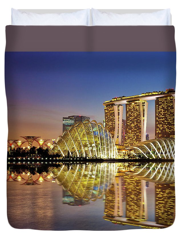 Outdoors Duvet Cover featuring the photograph Gardens By Bay by Seng Chye Teo