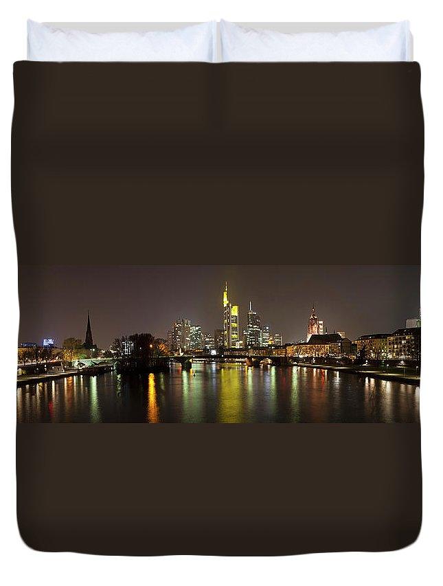 Panoramic Duvet Cover featuring the photograph Germany, Frankfurt, View Of City At by Westend61