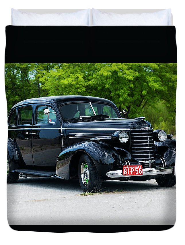 Horizontal Duvet Cover featuring the photograph 1937 Oldsmobile F 37 by Performance Image