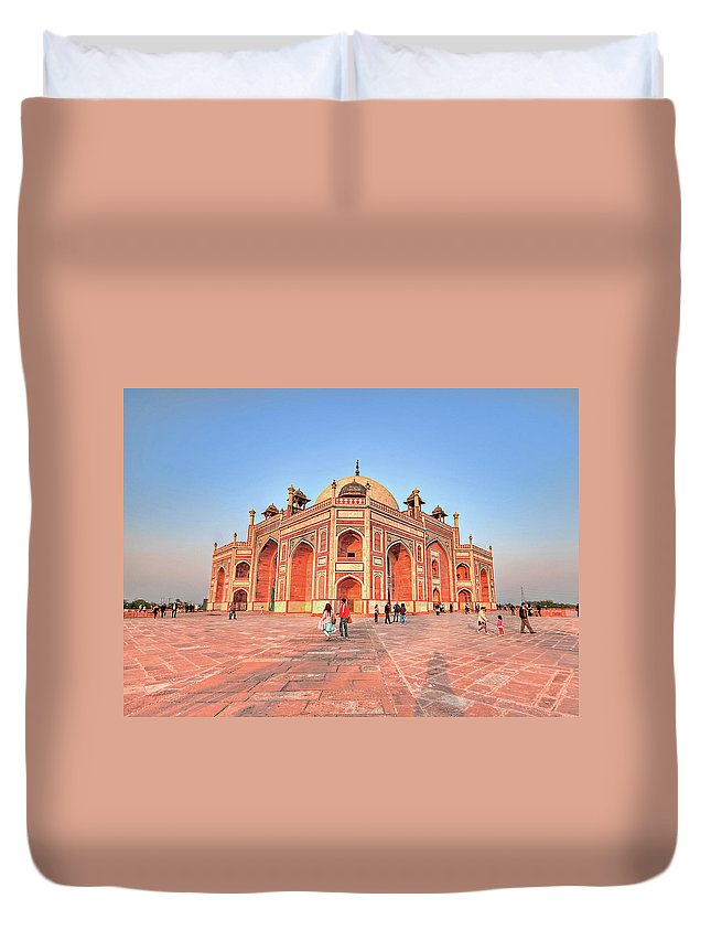 Arch Duvet Cover featuring the photograph Humayuns Tomb, New Delhi by Mukul Banerjee Photography