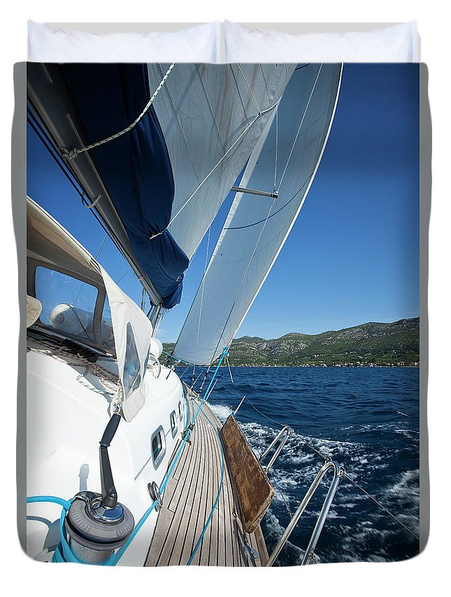 Curve Duvet Cover featuring the photograph Sailing In The Wind With Sailboat by Mbbirdy