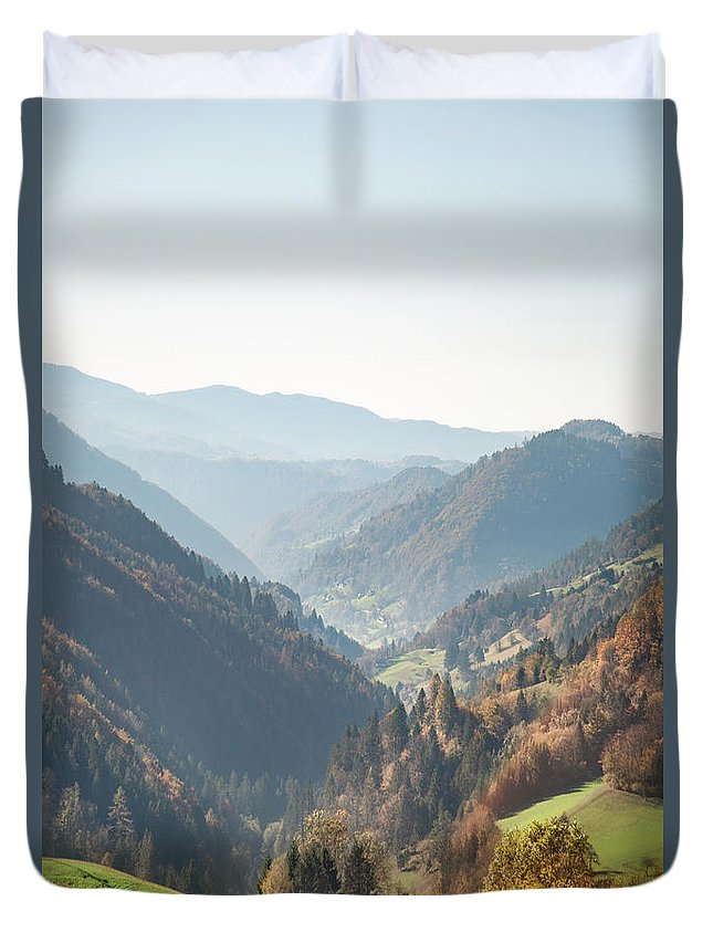 Kremsdorf Duvet Cover featuring the photograph Adagio Of The Highlands by Evelina Kremsdorf