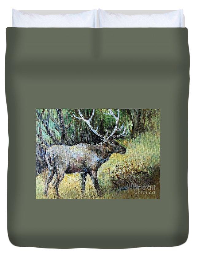 Elk Duvet Cover featuring the painting Alaska Elk by Linda Shackelford