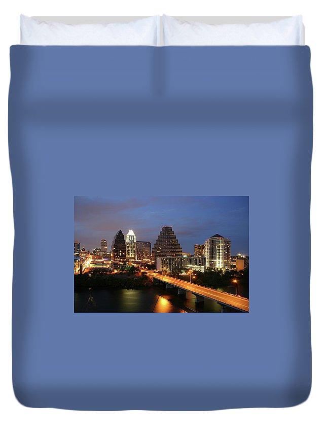 Water's Edge Duvet Cover featuring the photograph Austin Texas Skyline - Unique by Xjben