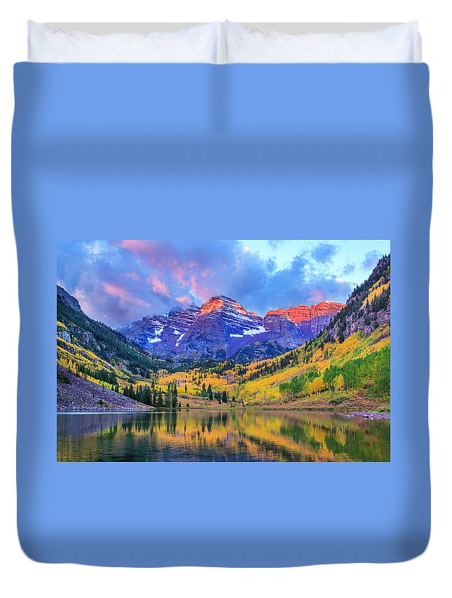 Scenics Duvet Cover featuring the photograph Autumn Colors At Maroon Bells And Lake by Dszc