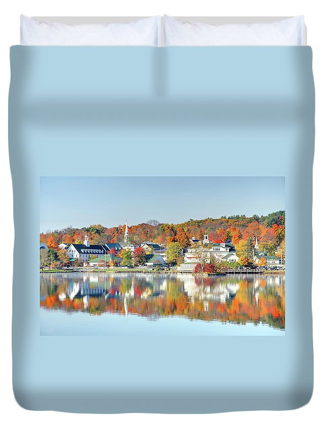 Scenics Duvet Cover featuring the photograph Autumn On Lake Winnipesaukee by Denistangneyjr