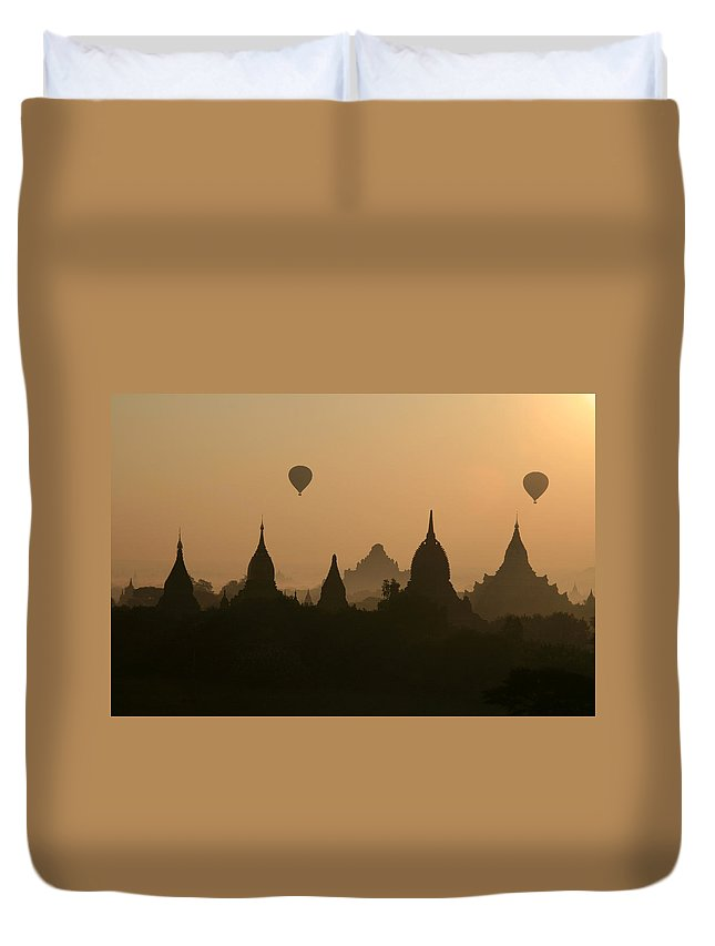 Tranquility Duvet Cover featuring the photograph Balloons Over Bagan, Burma by Joe & Clair Carnegie / Libyan Soup