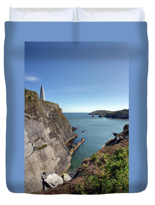 Tranquility Duvet Cover featuring the photograph Baltimore Beacon by Keith Marshall