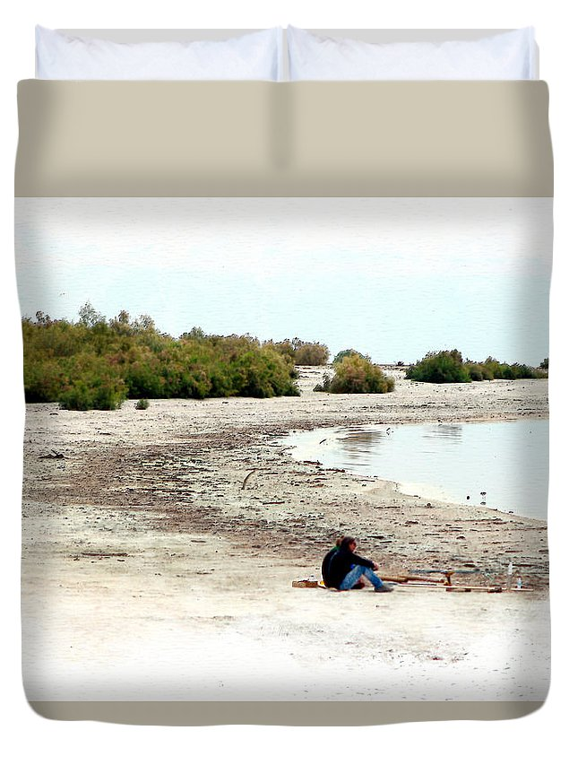 Watercolor Duvet Cover featuring the photograph Beach Goers-The Salton Sea in Digital Watercolor by Colleen Cornelius