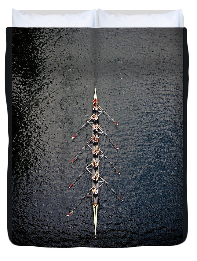 Viewpoint Duvet Cover featuring the photograph Boat Race by Fuse