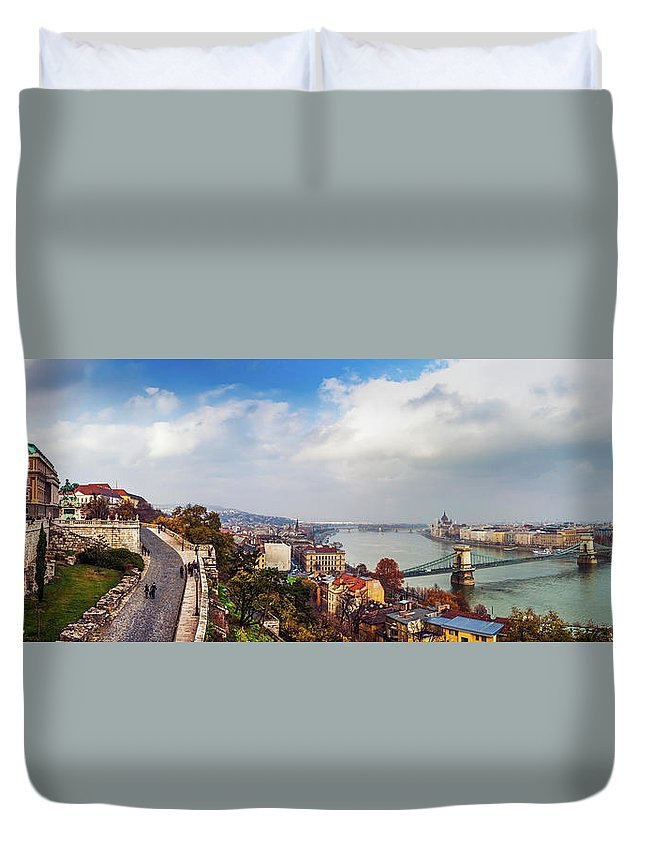 Hungarian Parliament Building Duvet Cover featuring the photograph Budapest - Sweeping View by John And Tina Reid