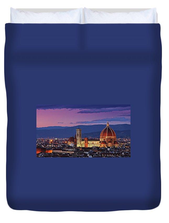 Outdoors Duvet Cover featuring the photograph Cattedrale Di Santa Maria Del Fiore - by Www.matteorinaldi.it