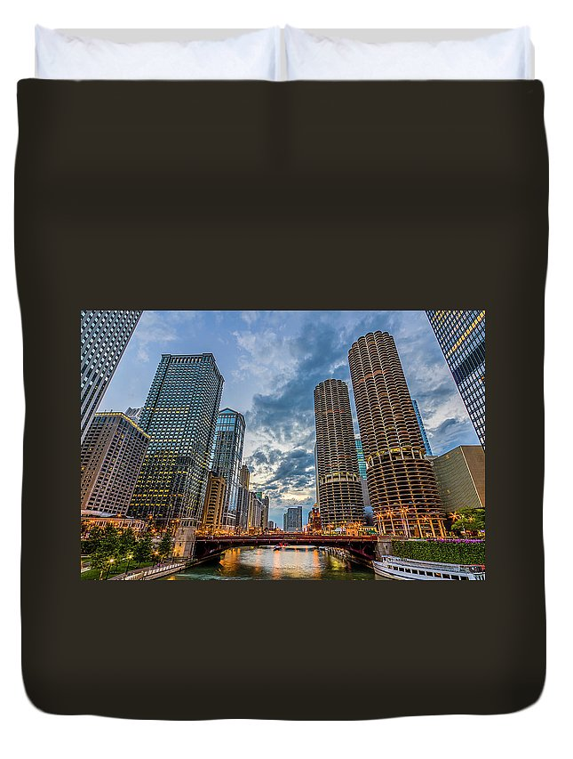 Chicago River Duvet Cover featuring the photograph Chicago River Sunset by Carl Larson Photography