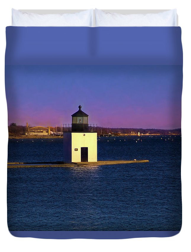 Derby Lighthouse Duvet Cover featuring the photograph Christmas Eve at Derby Lighthouse by Jeff Folger