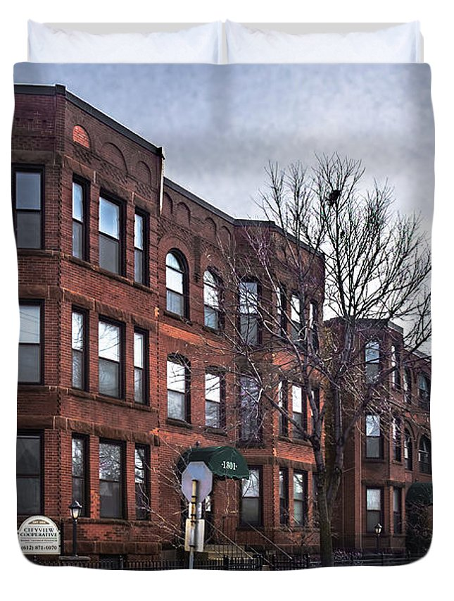 Minneapolis Duvet Cover featuring the photograph Cityview Cooperative, Minneapolis by Joel Friedman