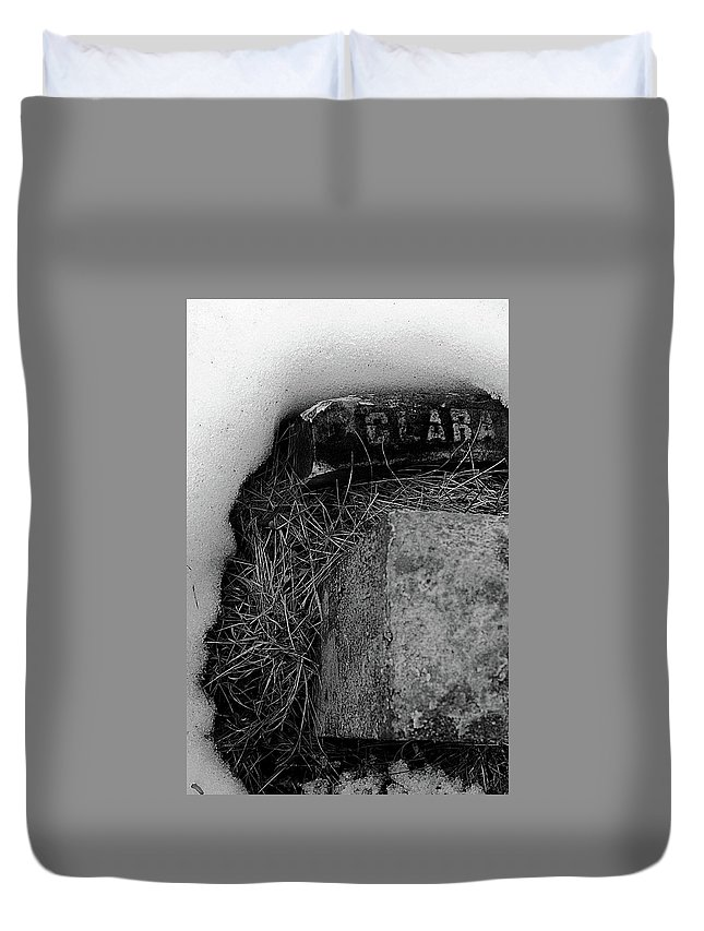 Grave Duvet Cover featuring the photograph Clara by Jeff Heimlich