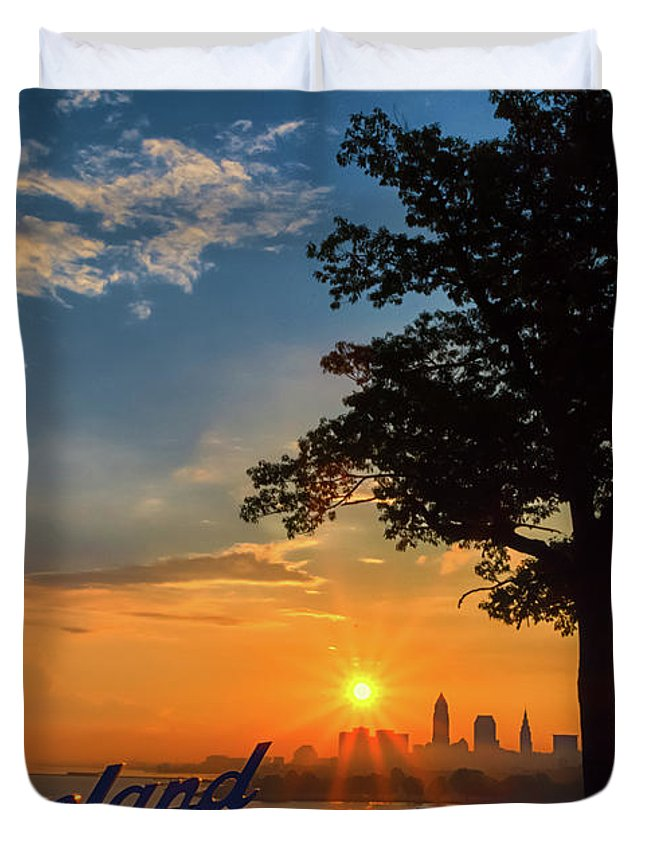 Sunrise Duvet Cover featuring the photograph Cleveland Sign Sunrise by Richard Kopchock