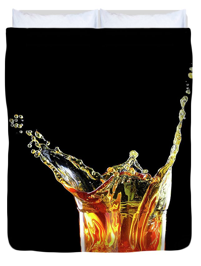 Alcohol Duvet Cover featuring the photograph Cocktail With Big Splash In A Tumbler by Chris Stein