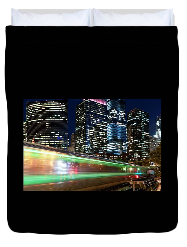 Passenger Train Duvet Cover featuring the photograph Commuter Train In Downtown Chicago by Chrisp0