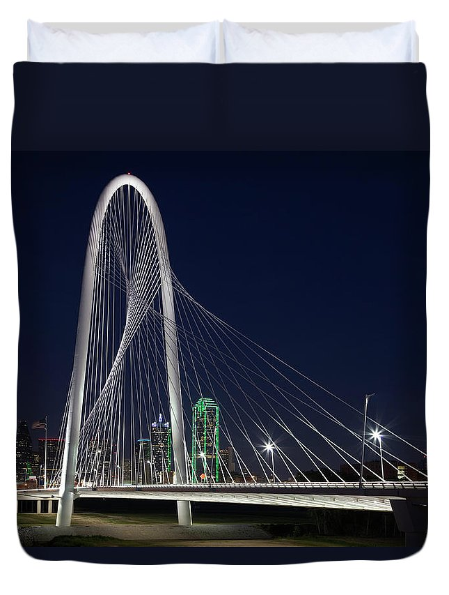 Suspension Bridge Duvet Cover featuring the photograph Dallas' Suspension Bridge At Night by Dhughes9