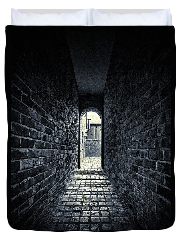 Horror Duvet Cover featuring the photograph Dark Alley by Duncan1890