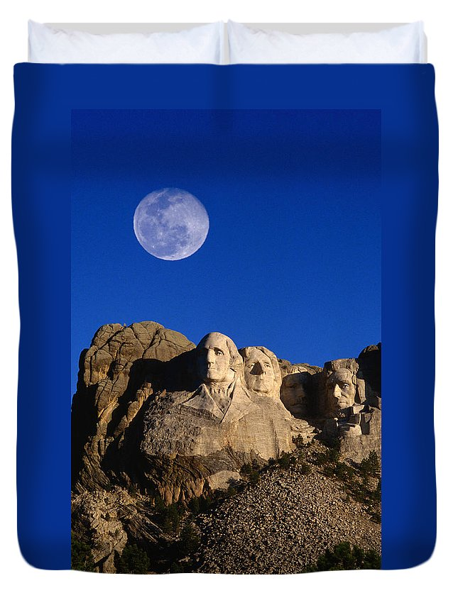 Mt Rushmore National Monument Duvet Cover featuring the photograph Daytime Moon Above Presidential Faces by Mark Newman