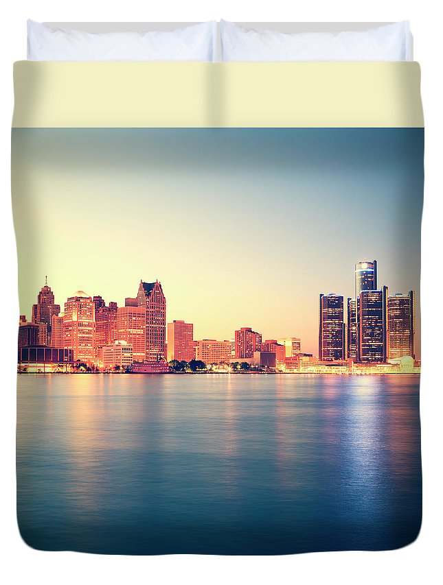 Downtown District Duvet Cover featuring the photograph Detroit At Sunset by Espiegle