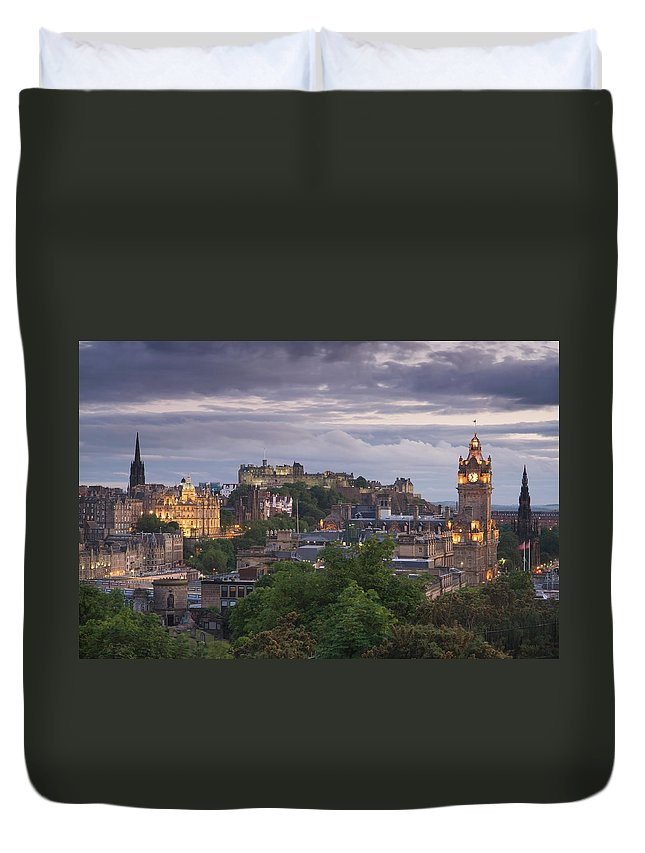 Lothian Duvet Cover featuring the photograph Edinburgh At Dusk by Northlightimages