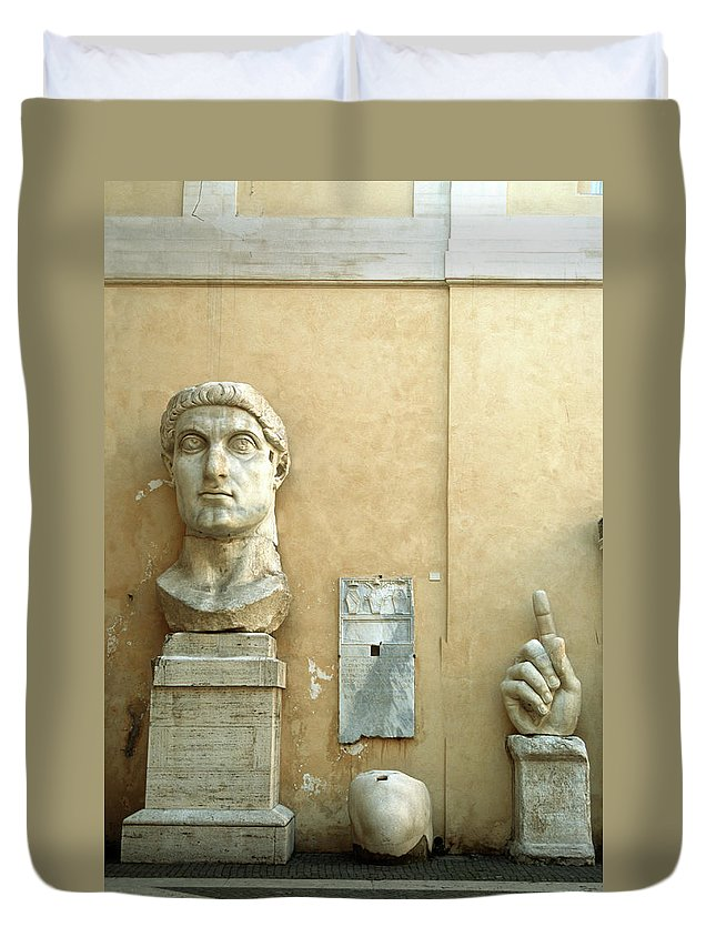 Statue Duvet Cover featuring the photograph Emperor Constantine by Manuelvelasco