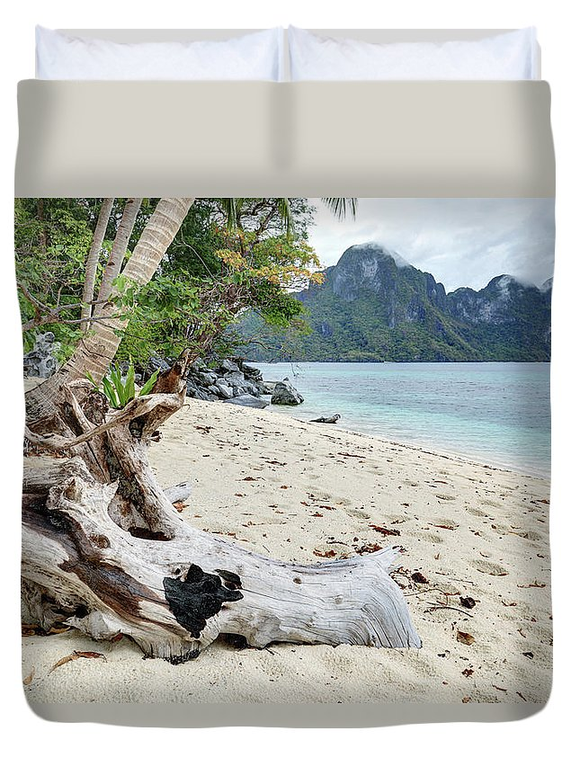 Water's Edge Duvet Cover featuring the photograph Exotic Beach by Vuk8691