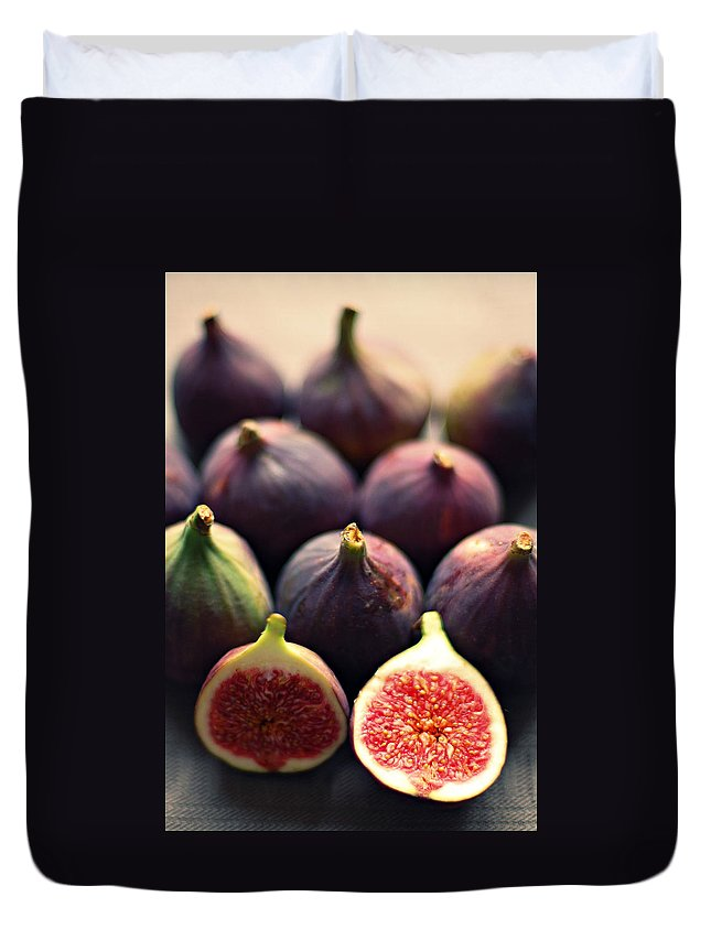 Netherlands Duvet Cover featuring the photograph Figs by Photo By Ira Heuvelman-dobrolyubova