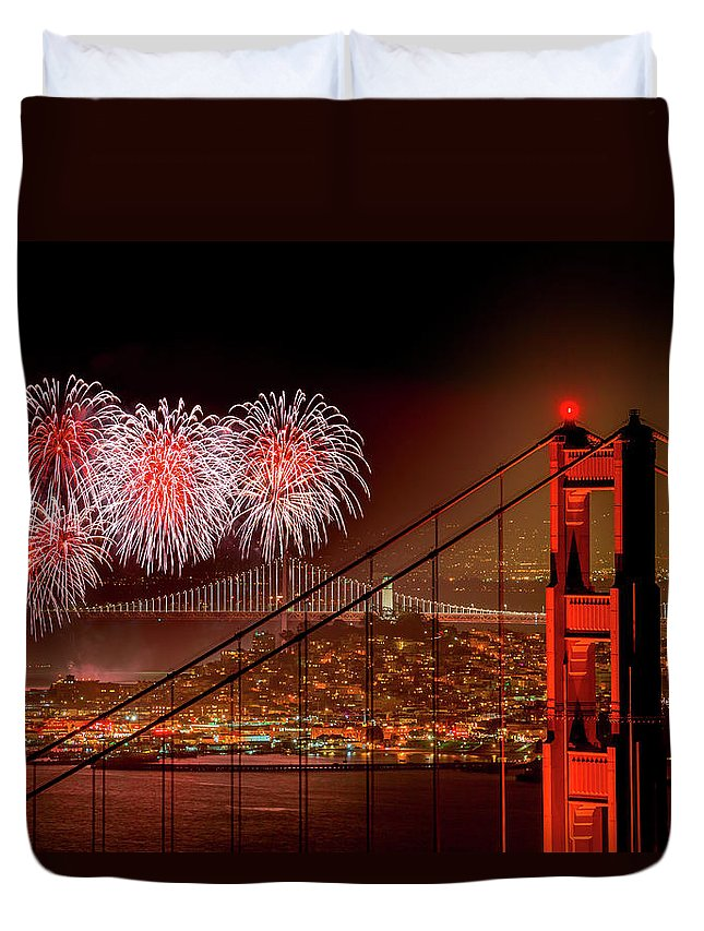 San Francisco Duvet Cover featuring the photograph Firework At San Francisco, California by Spondylolithesis