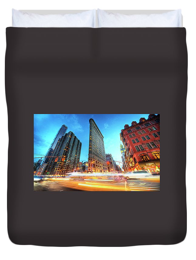Outdoors Duvet Cover featuring the photograph Flatiron by Tony Shi Photography