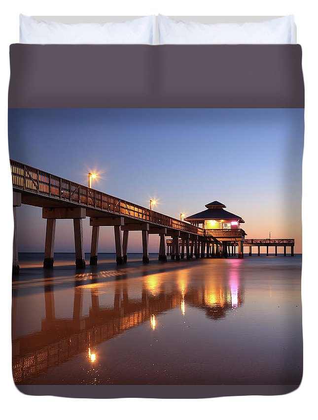 Built Structure Duvet Cover featuring the photograph Fort Myers Beach, Florida by Jumper