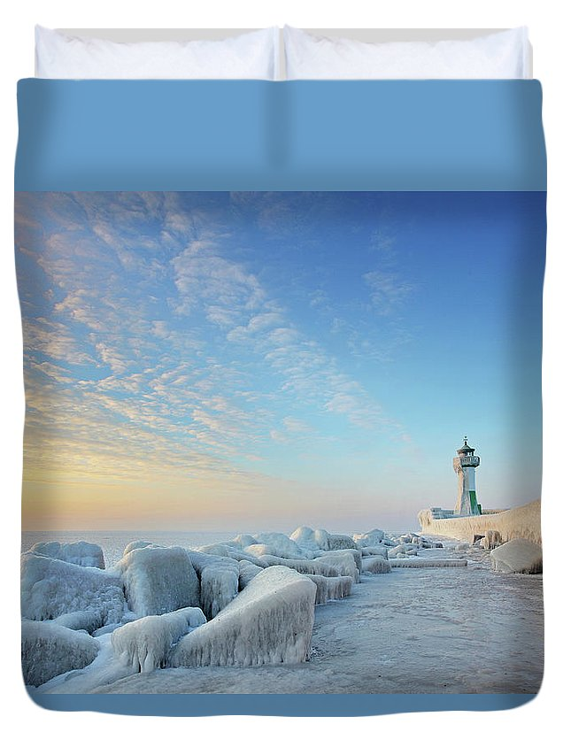 Dawn Duvet Cover featuring the photograph Frozen Lighthouse by Sandra Kreuzinger
