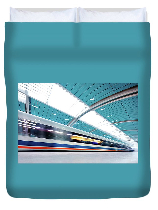 Aerodynamic Duvet Cover featuring the photograph Futuristic Train by Nikada