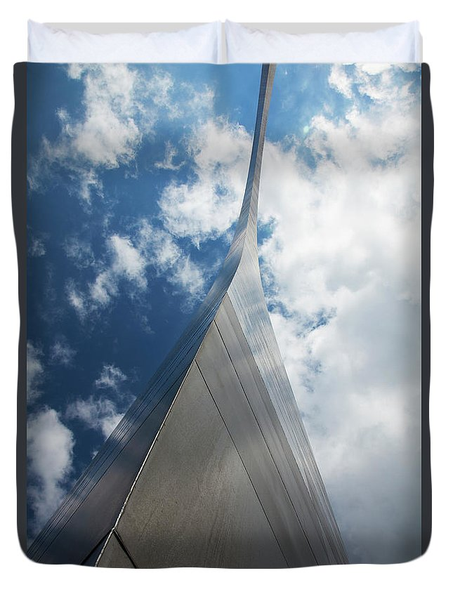 Arch Duvet Cover featuring the photograph Gateway Arch, St. Louis, Missouri by Elisabeth Pollaert Smith