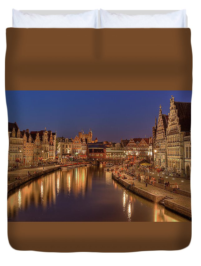Tranquility Duvet Cover featuring the photograph Gent - 03101119 by Klaus Kehrls