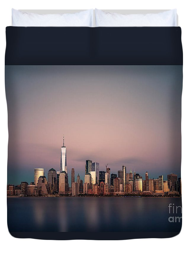 Kremsdorf Duvet Cover featuring the photograph Golden City by Evelina Kremsdorf