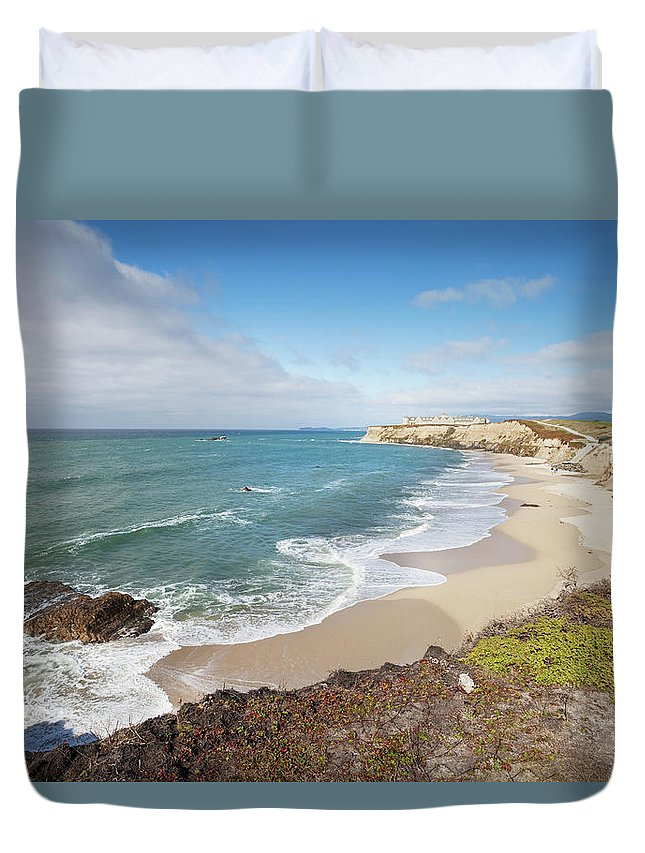 Water's Edge Duvet Cover featuring the photograph Half Moon Bay California by Stevegeer