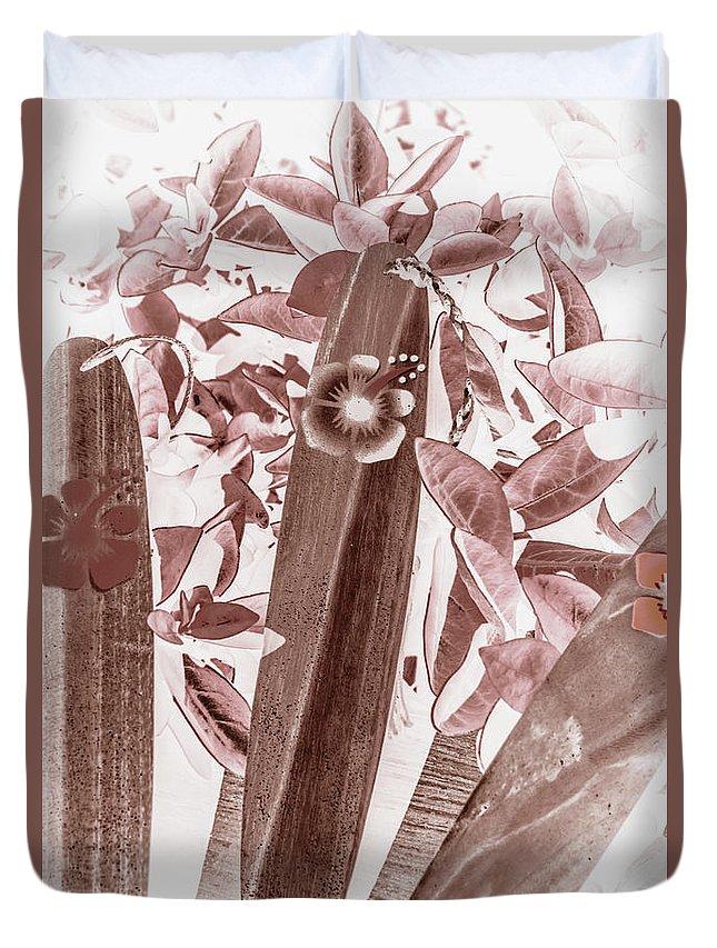 Hawaii Duvet Cover featuring the photograph Hawaiian Surf by Jorgo Photography - Wall Art Gallery