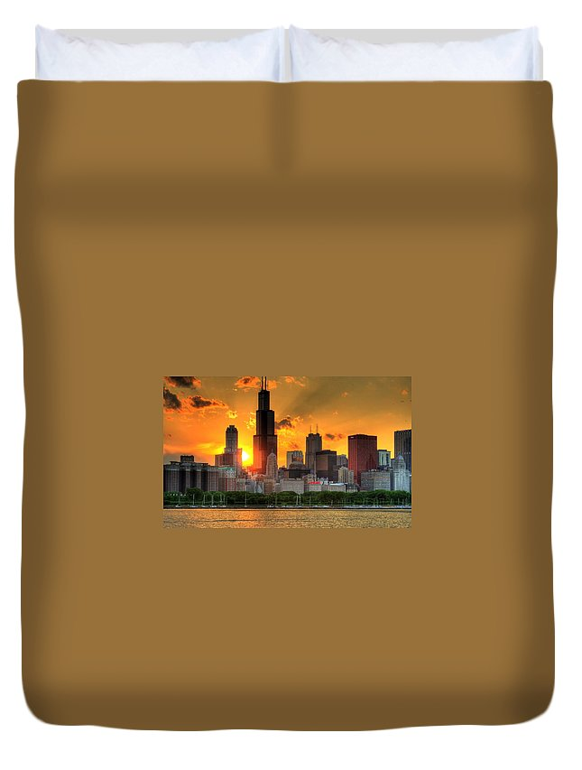 Tranquility Duvet Cover featuring the photograph Hdr Chicago Skyline Sunset by Jeffrey Barry