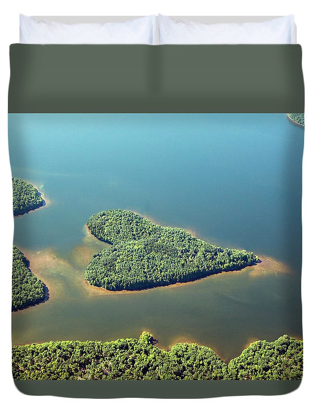 Outdoors Duvet Cover featuring the photograph Heart-shaped Island In Lake by Thomas Jackson