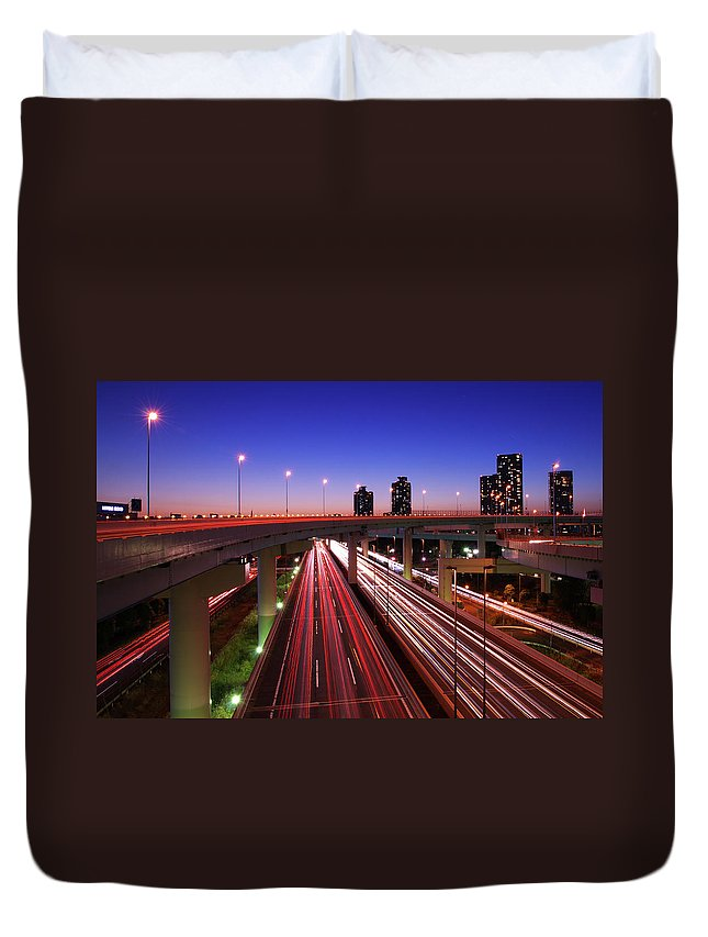 Two Lane Highway Duvet Cover featuring the photograph Highway At Night by Takuya Igarashi
